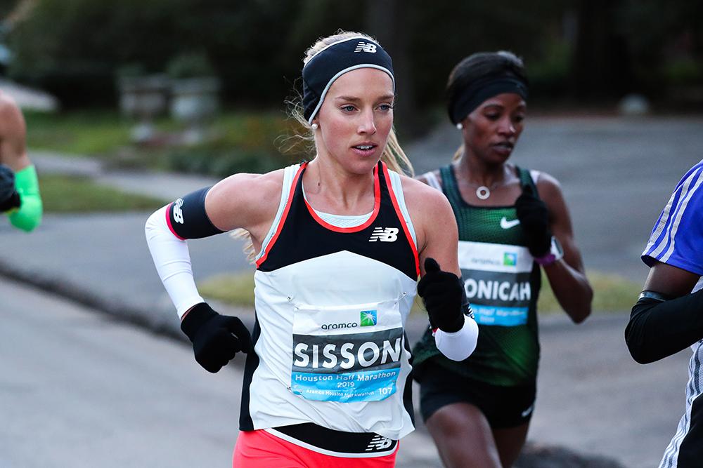 9dee5b984 A fast half-marathon in Houston kicked off Emily Sisson's breakthrough '19  season. (VICTOR SAILER/PHOTO RUN)