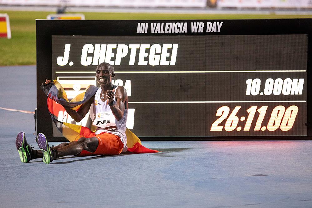 cheptegei 01 21 - Podios mundiales en pista masculino 2020 de T&FN -