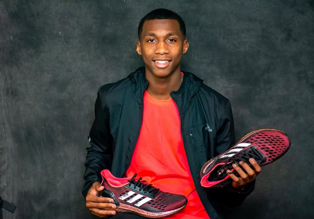 erriyon knighton2 02 21 La sensación de sprint adolescente Erriyon Knighton se vuelve profesional
